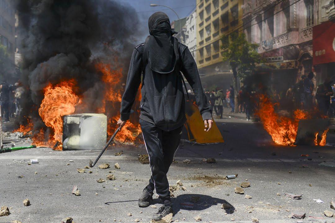 Массовые беспорядки охватили столицу Чили.